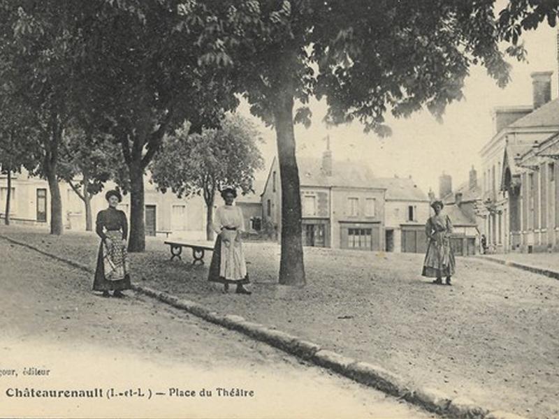 Place du théatre Chateau Renault