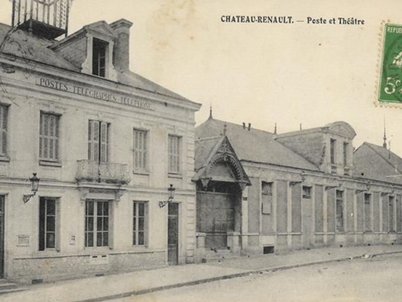 Theatre et poste à Chateau Renault